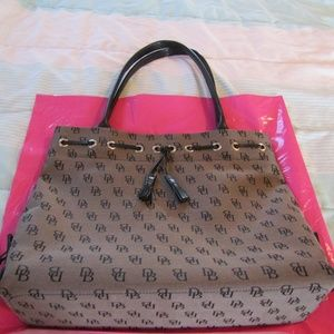Dooney & Bourke Black Gray DB Signature Purse